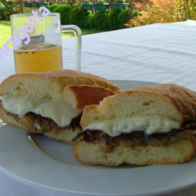 panino-con-asiago-funghi-prosciutto-di-daino