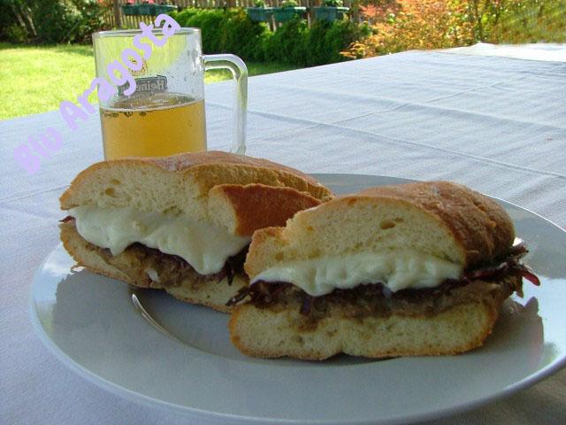 Sapori di malga: panino all'asiago,crema di funghi, prosciutto di daino