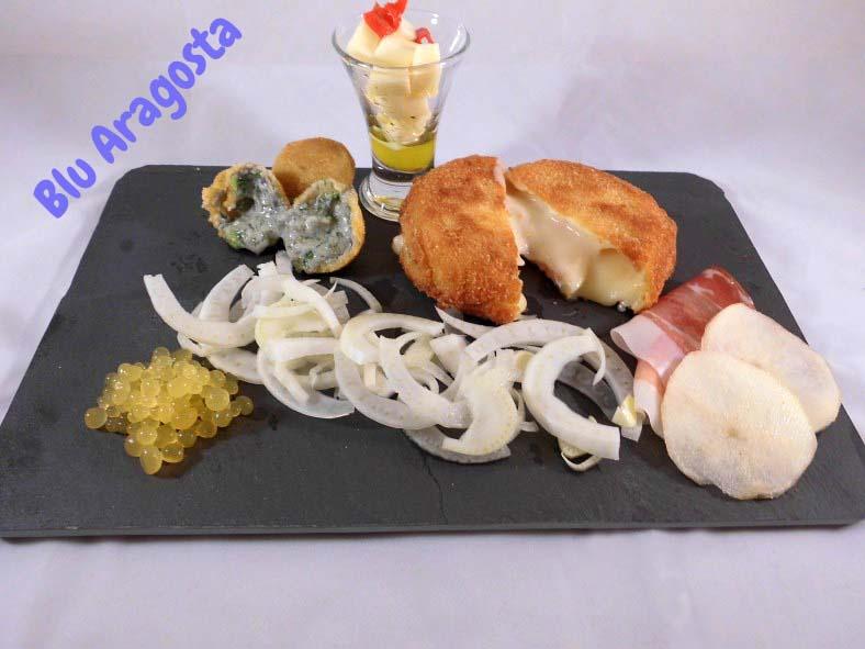 Cena a tema: serata formaggi con caviale d'arancia e insalata di finocchi