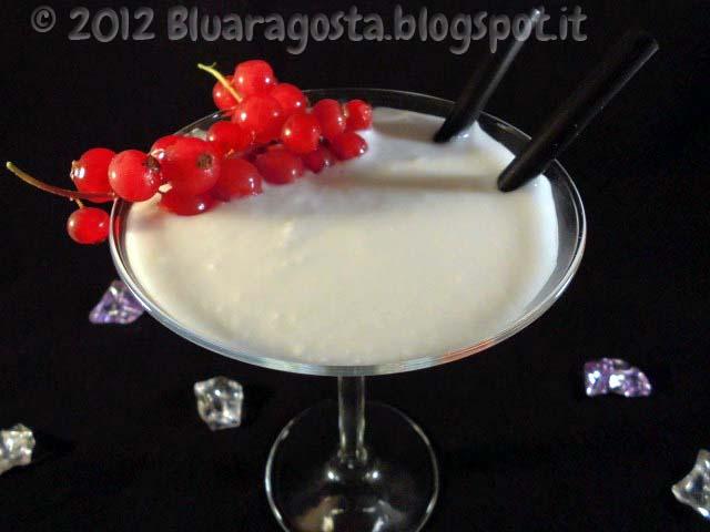Smoothie di lychees e cocco con perle di tapioca
