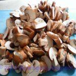 taglio a fette gli champignon