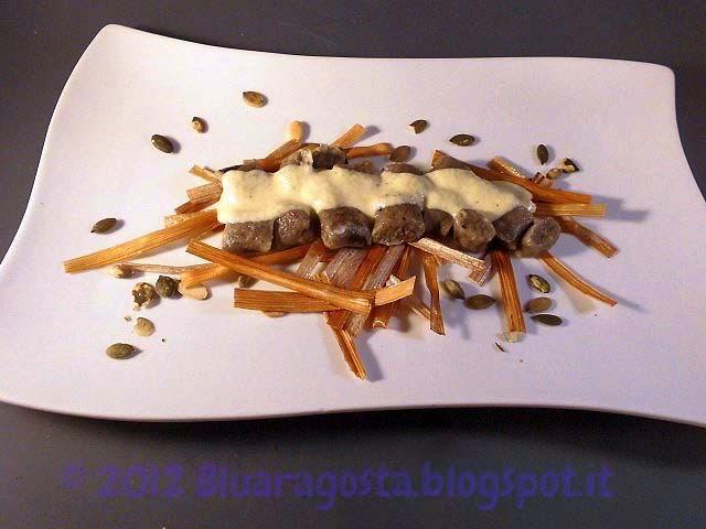Gnocchi di olive taggiasche con fonduta di parmigiano e zucchine
