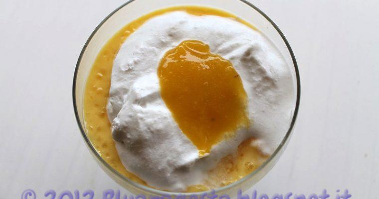 Tapioca pudding con cocco montato, mango e madeleines al tè matcha