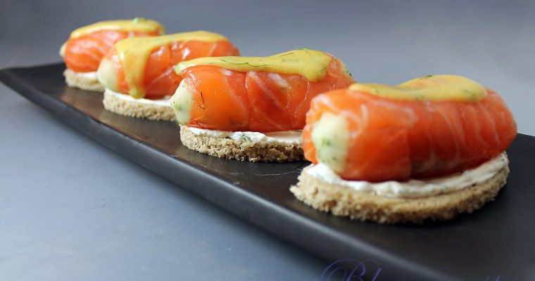 Salmone gravad lax finger food