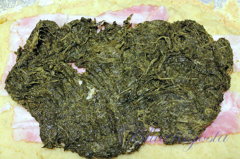 Rotolo di purè di patate con cime di rapa e camembert di bufala