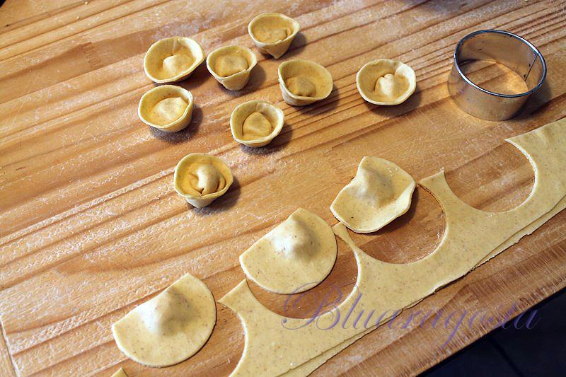 tortelli al prosciutto in salsa di burrata
