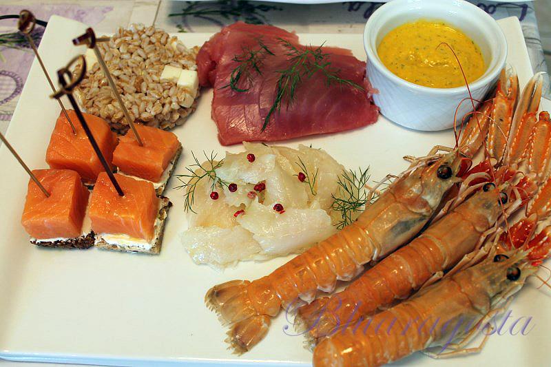 Crudité di pesce con gazpacho di melone e insalata di farro