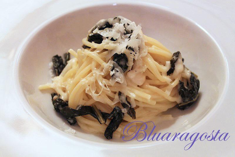 Spaghetti con cavolo nero brasato e pecorino di Pienza