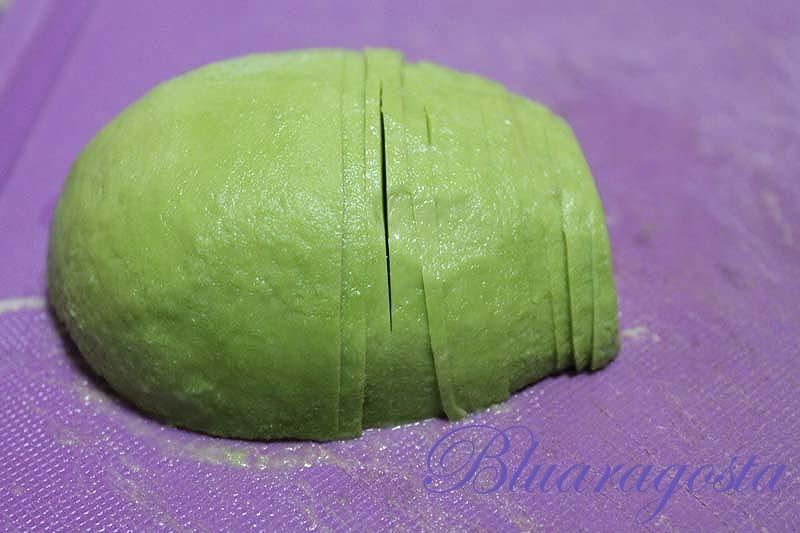 avocado tagliato sottile