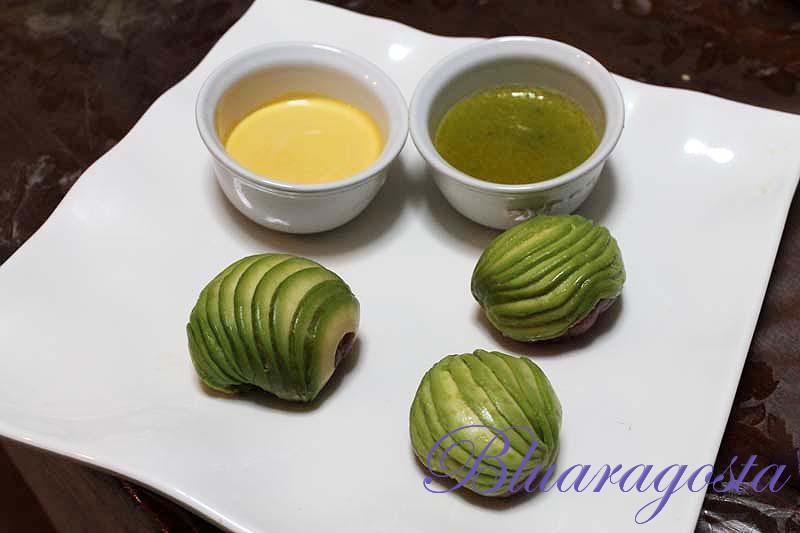 Tartare di tonno e avocado con maionese al mango e salsa senapata